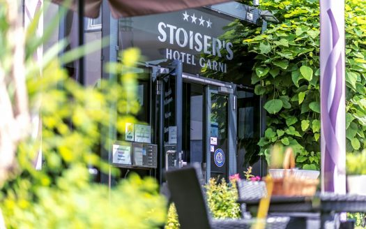 hundefreundlich, Urlaub mit Hund, Hotel Stoiser Garni Graz Eingang